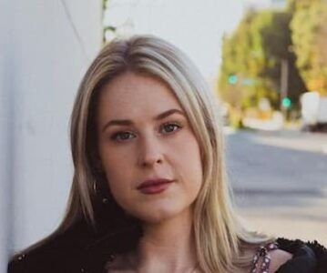 Emma Caroline Photo